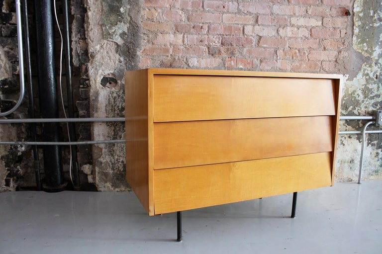 Original Maple Louvered Dresser by Florence Knoll for Knoll For Sale 3