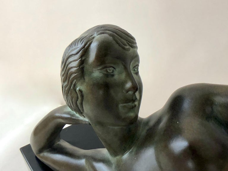 Original Max Le Verrier Lighted Sculpture Aube in Art Deco Style In Excellent Condition For Sale In Baden-Baden, DE