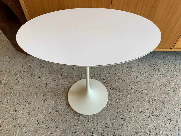 Original Midcentury Saarinen for Knoll Oval Tulip Pedestal Table In Good Condition For Sale In St.Petersburg, FL