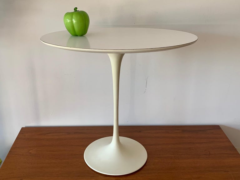 Metal Original Midcentury Saarinen for Knoll Oval Tulip Pedestal Table For Sale