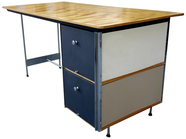 For your consideration is this nicely preserved Eames Desk Unit (EDU) part of the ESU series. This all original desk shows honest and little for its age. All drawers function perfectly and the panels are very clean. Slight pitting to the chrome
