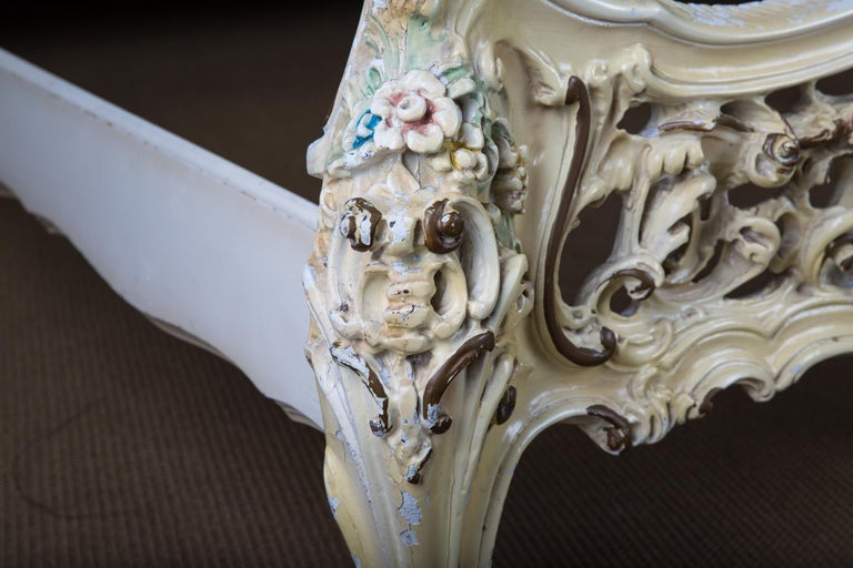 Original Old Venizian Bed Fully Carved with Flowers For Sale 11