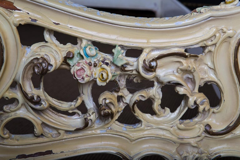 Original Old Venizian Bed Fully Carved with Flowers For Sale 5