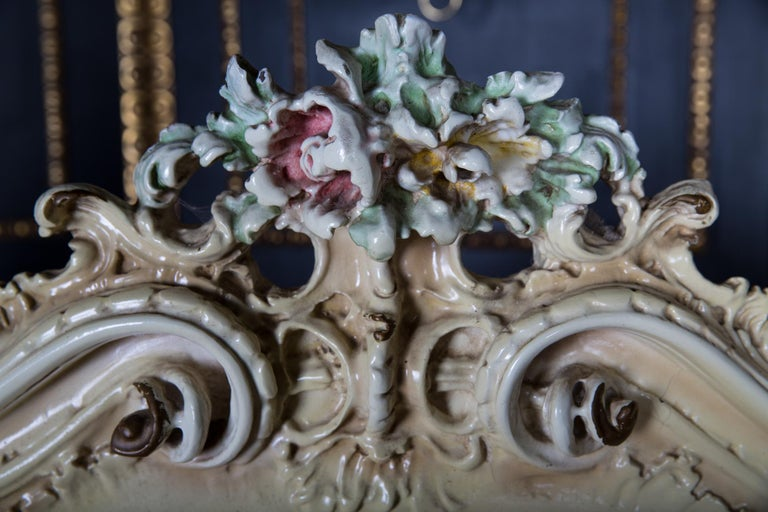 Original Old Venizian Bed Fully Carved with Flowers For Sale 6