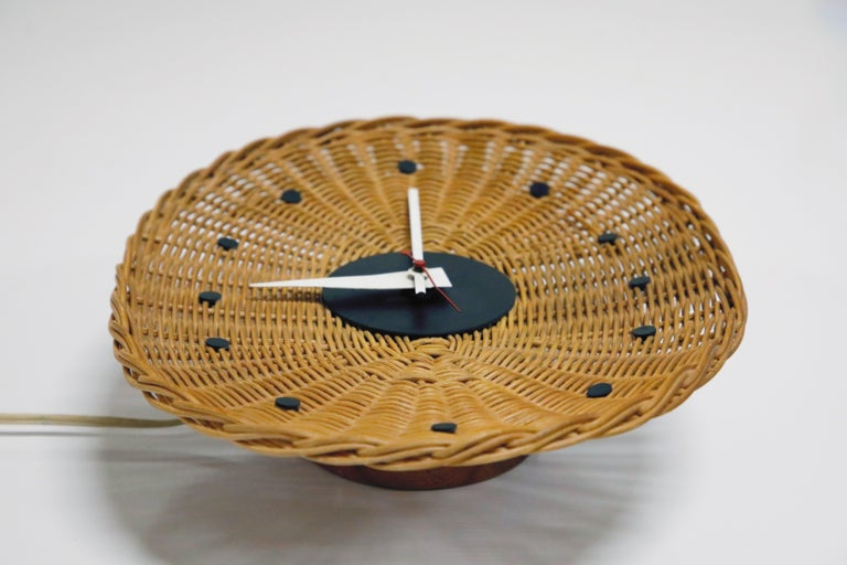 Original Oval Rattan 'Basket Clock' by George Nelson for Howard Miller, 1950s For Sale 5