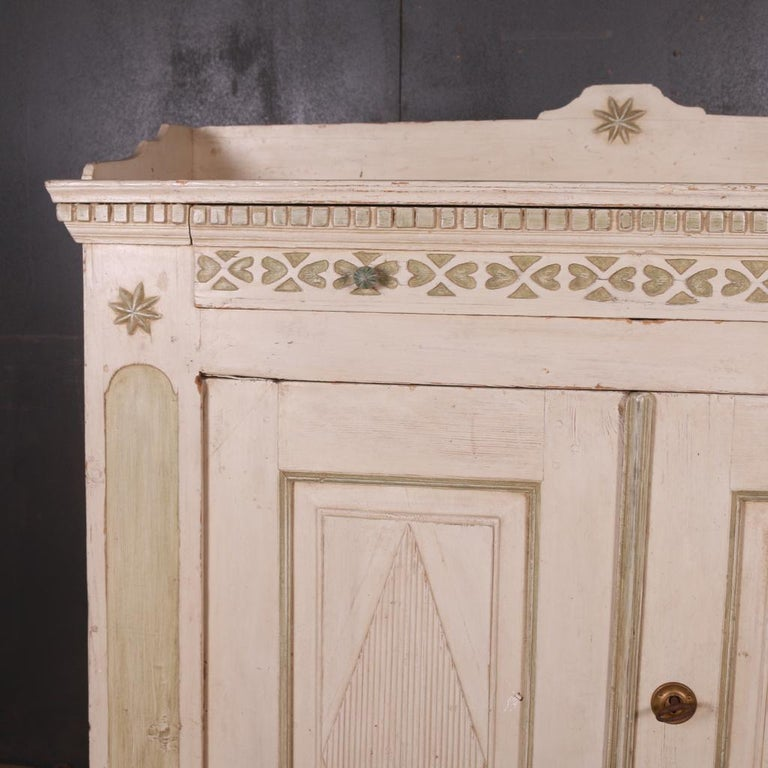 Original Painted Swedish Buffet In Good Condition For Sale In Leamington Spa, Warwickshire