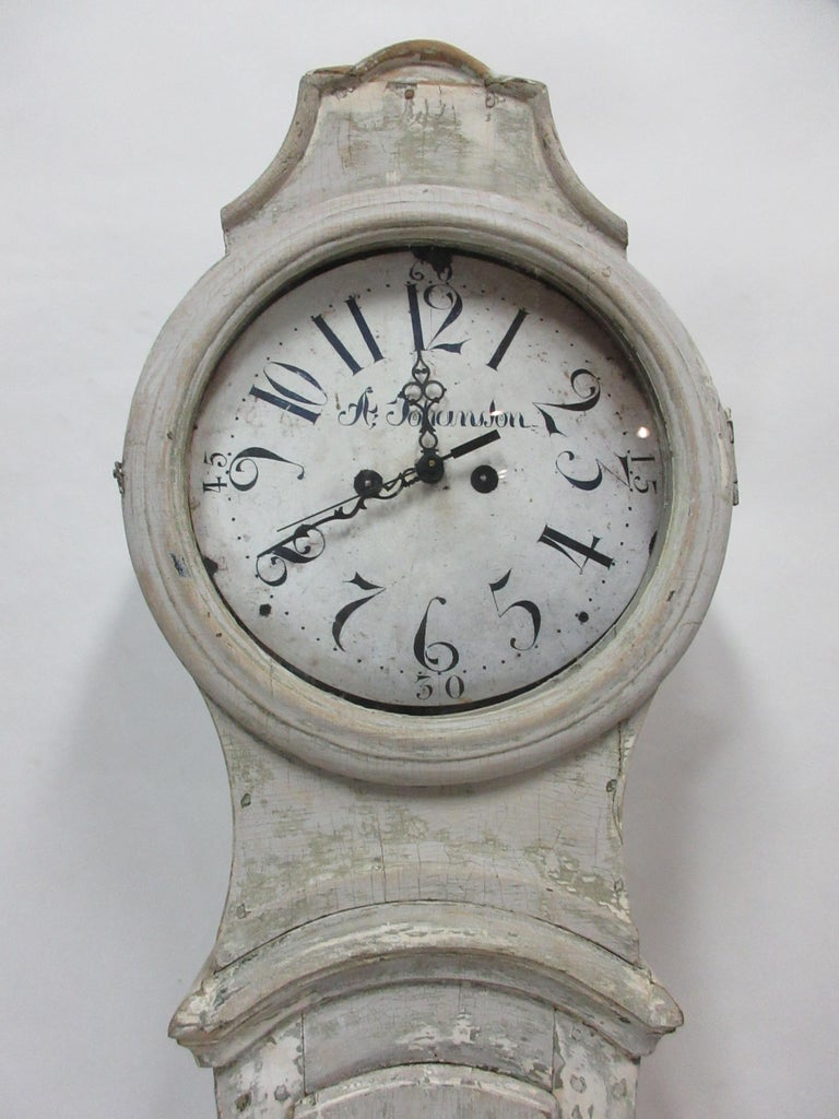 This is a 100% Original painted Swedish Mora clock. I offer both the Original works which do not work and new battery works which are incredible. You have a choice of chimes, a volume nobs, a switch that will shut off the chime at night and an off