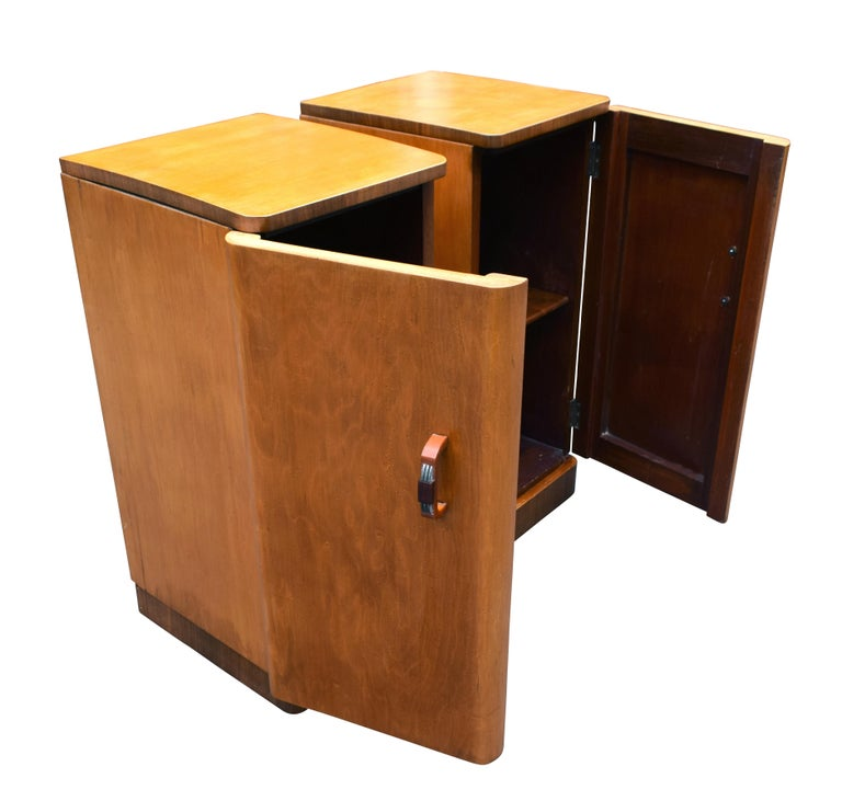 Original Pair of 1930s Art Deco Blonde Bedside Cabinets In Good Condition For Sale In Devon, England