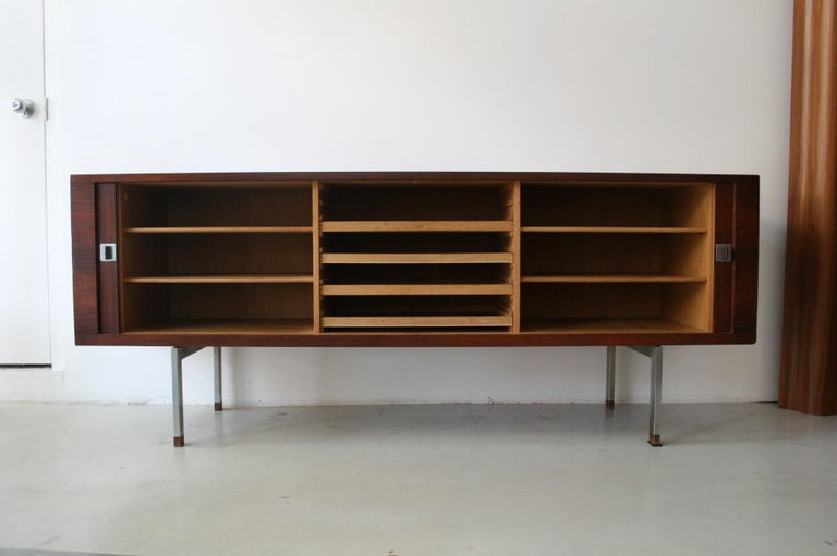 Oiled Original Rosewood President Credenza / Sideboard by Hans Wegner RY-25 For Sale