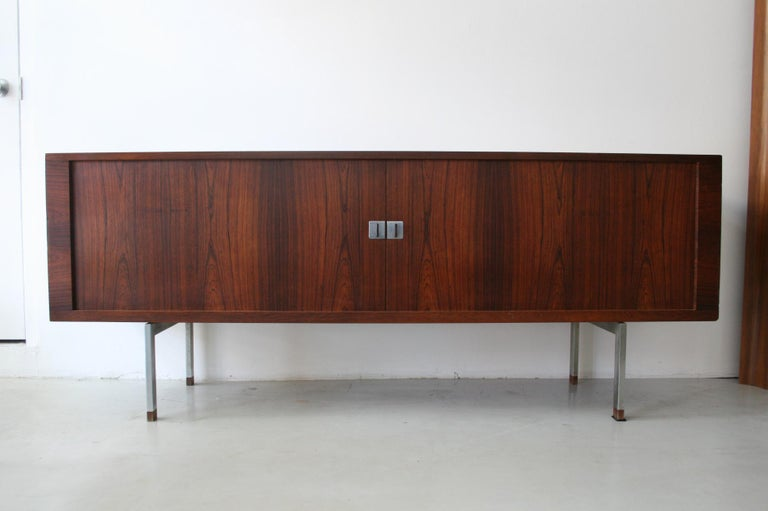 Mid-20th Century Original Rosewood President Credenza / Sideboard by Hans Wegner RY-25 For Sale