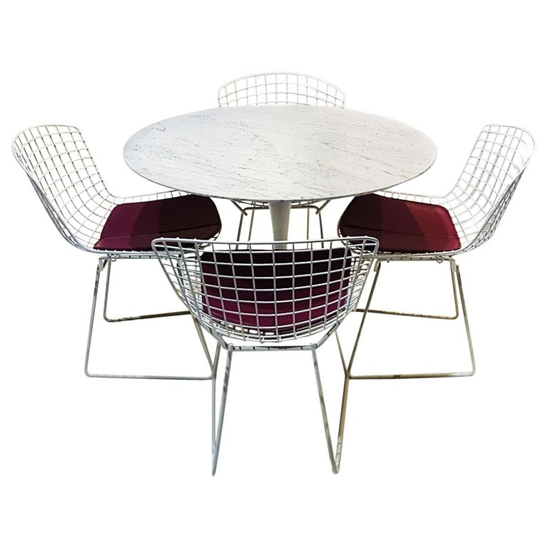 Original Saarinen Knoll Studio Marble Tulip Dining Table and Bertoia Wire Chairs For Sale