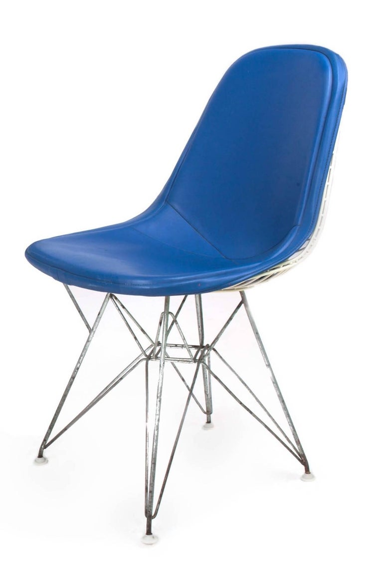 Mid-20th Century Original Set of 4 Eames DKR-1 Dining Chairs in Blue Vinyl and White Steel, 1951 For Sale