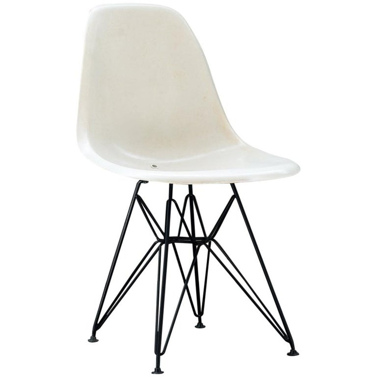 Original Sidechair DSW Designed by Charles and Ray Eames For Sale
