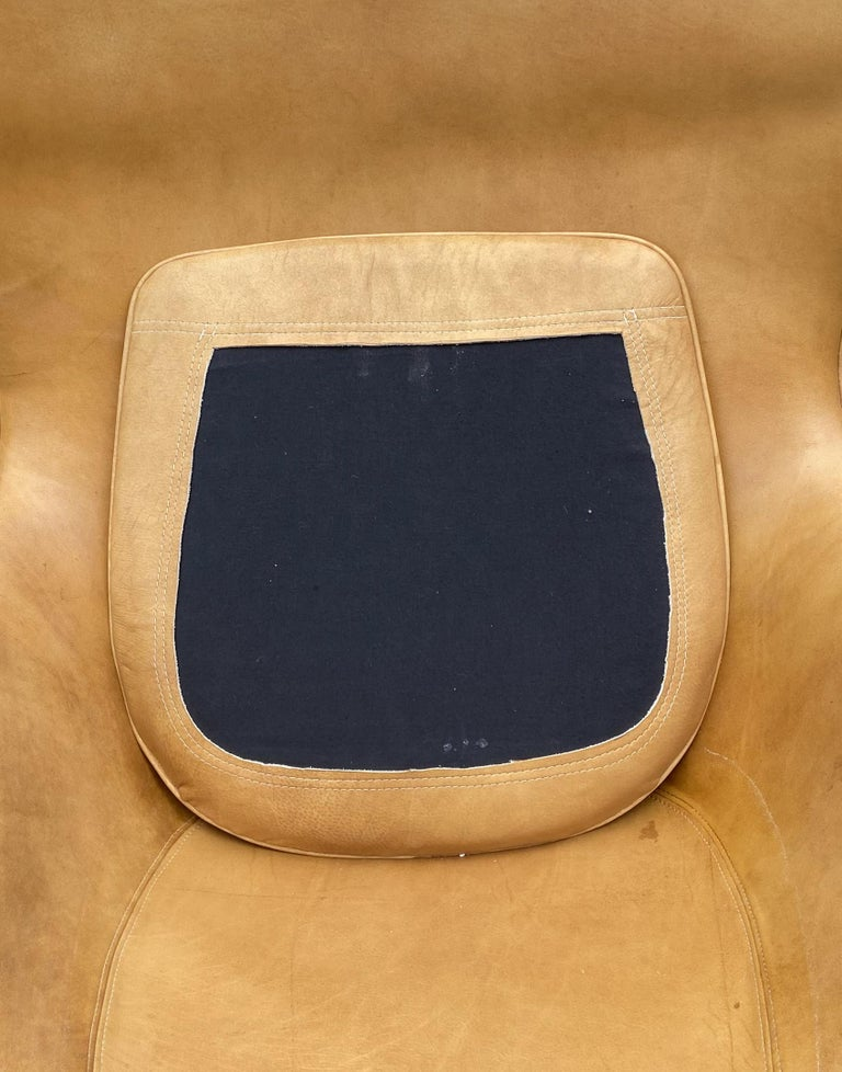 20th Century Original Tan Leather Egg Chair by Arne Jacobsen for Fritz Hansen For Sale