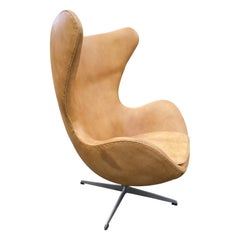 Original Tan Leather Egg Chair by Arne Jacobsen for Fritz Hansen