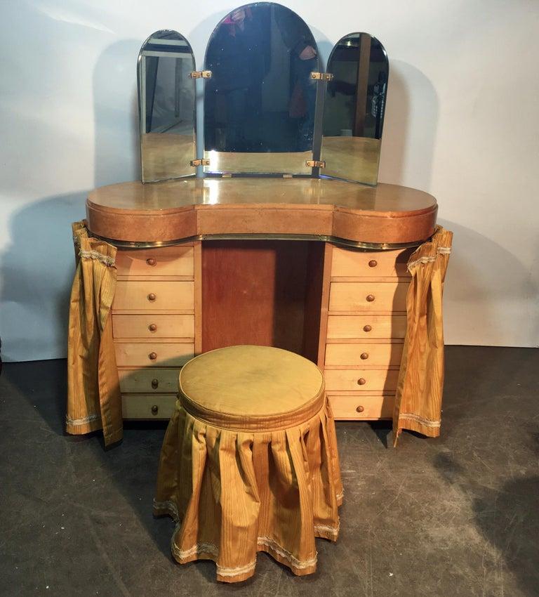 Original vanitie and its Art Deco stool in sycamore, circa 1940-1950.