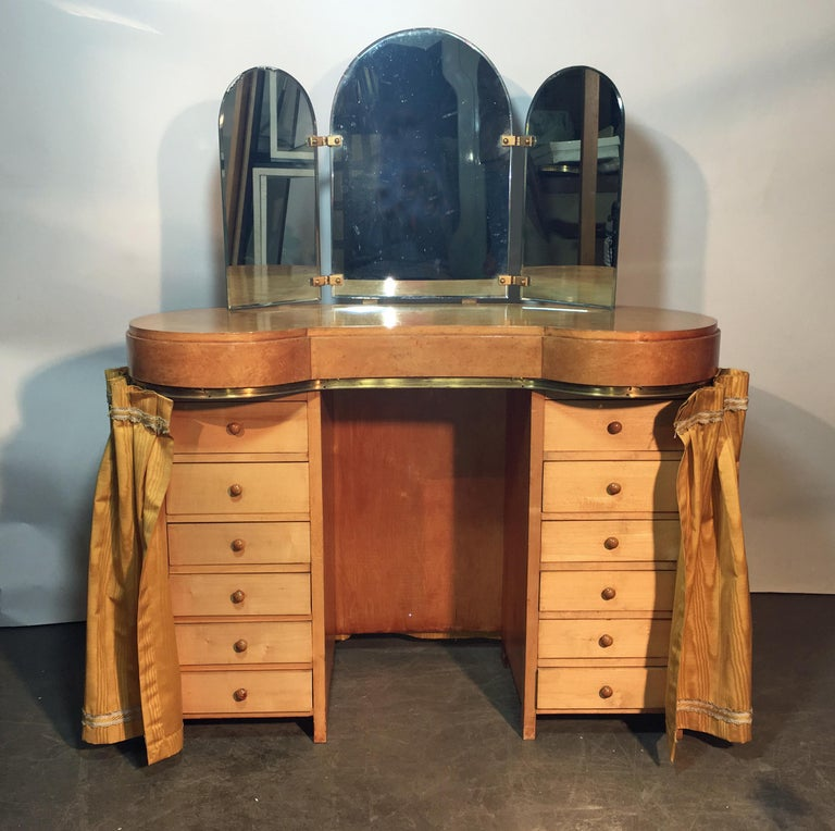 Original Vanitie and Its Art Deco Stool in Sycamore, circa 1940-1950 In Good Condition For Sale In Saint-Ouen, FR