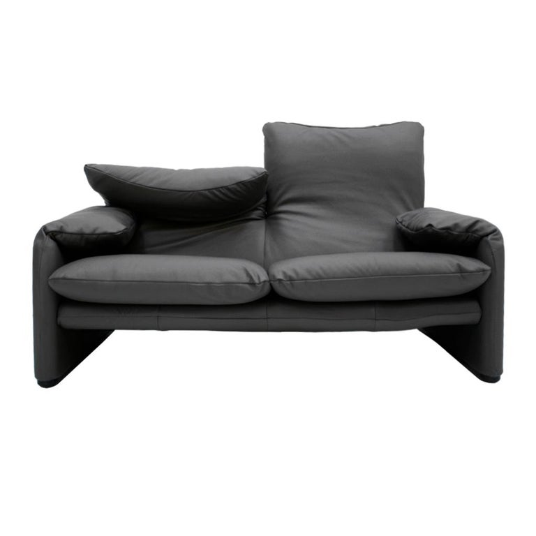 Maralunga sofa designed by Vico Magistretti (1920-2006) for Cassina in 1973. Magistretti was an Italian Industrial designer and architect. This is an original 1970s version, made of steel structure, and recently reupholstered in color grey