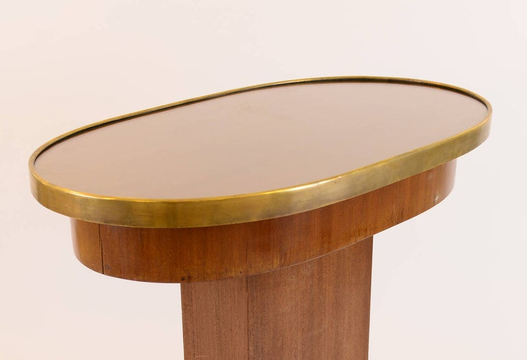 Austrian Original Viennese Oval Mahogany Coffee Table early 20th Century 1910  For Sale