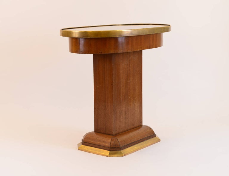 Hand-Crafted Original Viennese Oval Mahogany Coffee Table early 20th Century 1910  For Sale