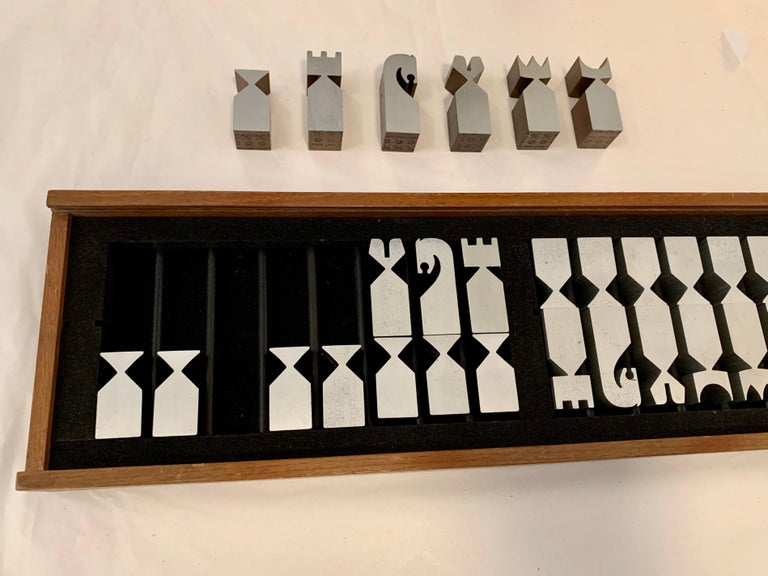 Original Vintage 1966 Austin Cox Chess Set For Sale 7