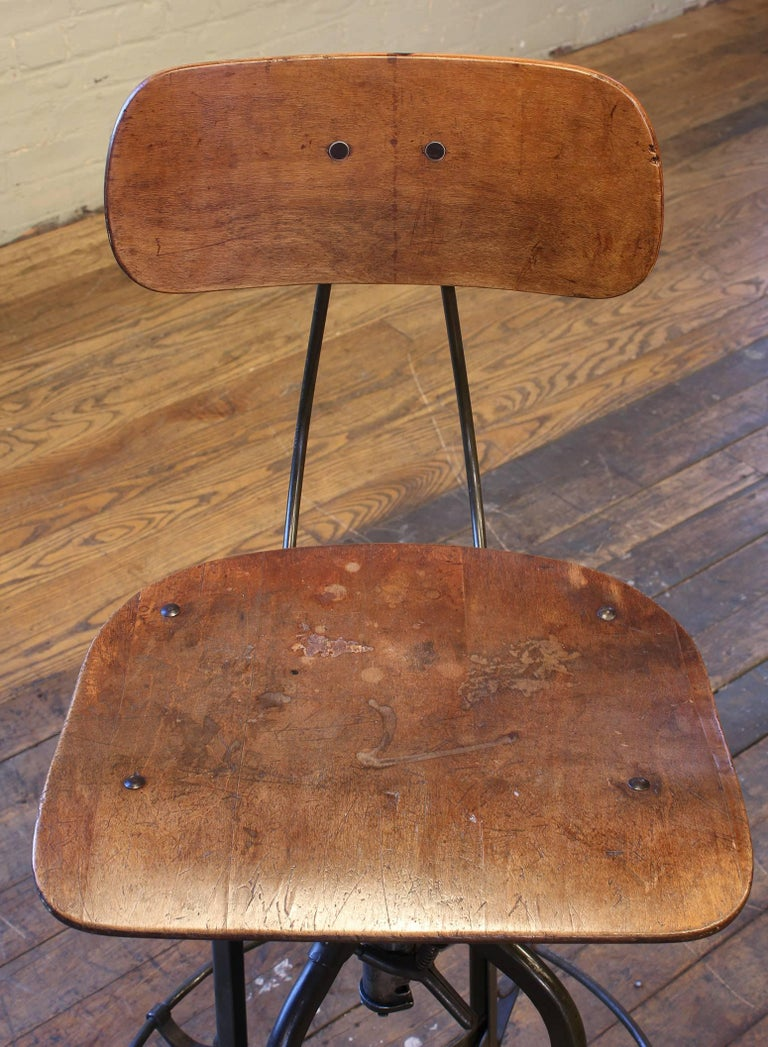 Original Vintage Adjustable Toledo Bar Stool Drafting Chair In Distressed Condition For Sale In Oakville, CT