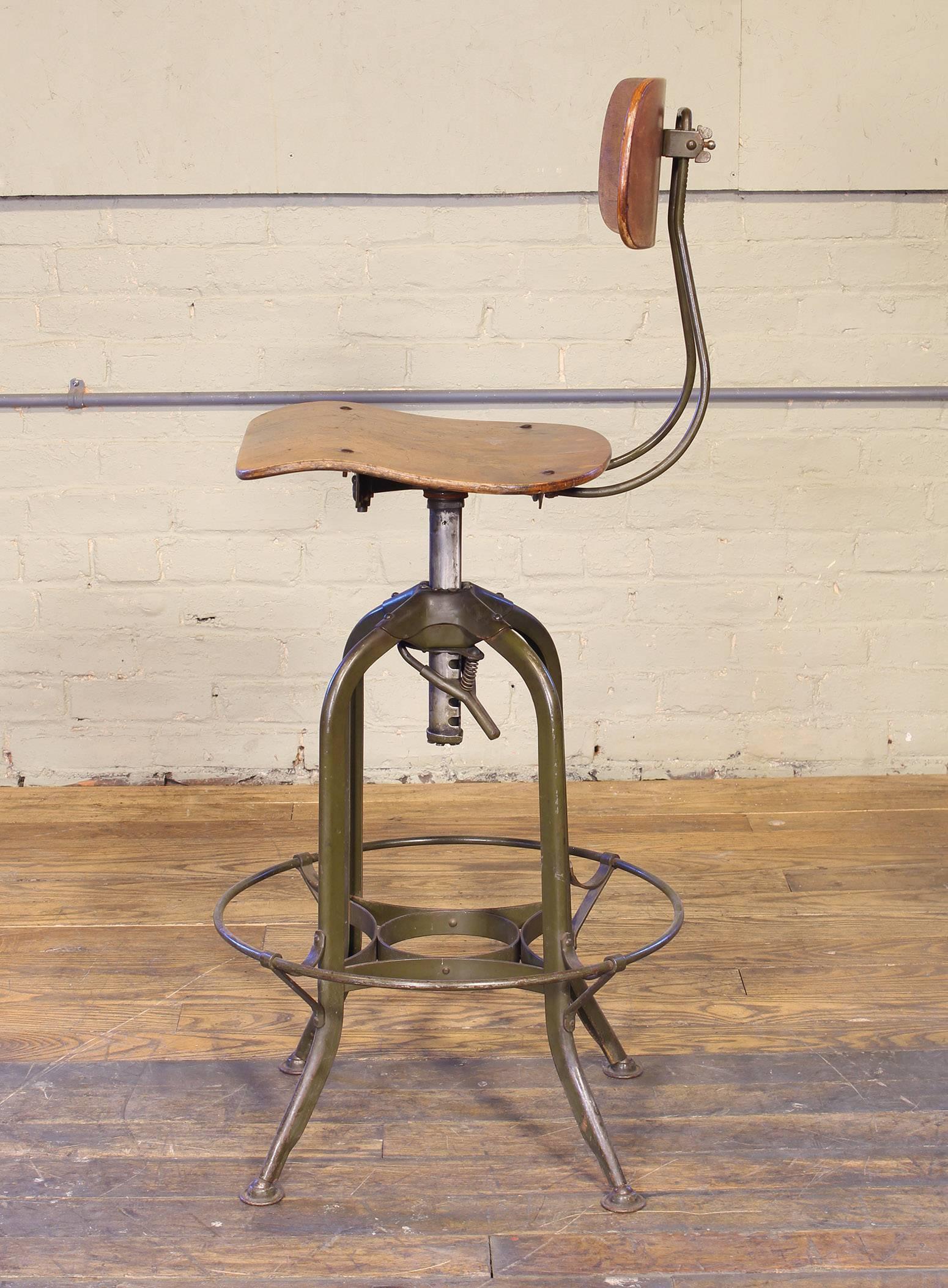 Exceptionnel Original Vintage Adjustable Toledo Bar Stool Drafting Chair For Sale 3