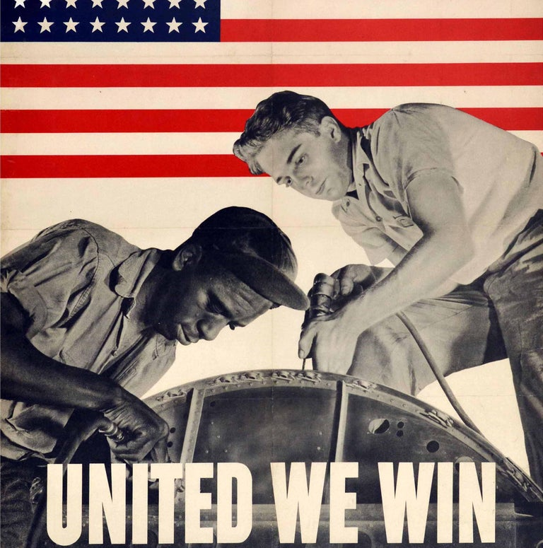 Original Vintage WWII Poster United We Win War Effort Factory Workers USA Flag In Good Condition For Sale In London, GB