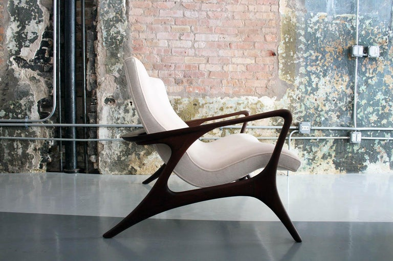 Original Vladimir Kagan 'Contour Sofa' in Sculpted Walnut and Mohair, 1970s For Sale 6
