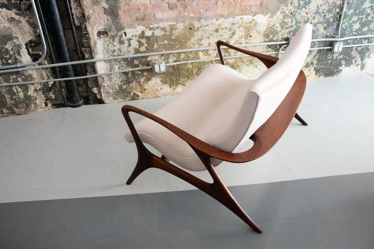Mid-Century Modern Original Vladimir Kagan 'Contour Sofa' in Sculpted Walnut and Mohair, 1970s For Sale