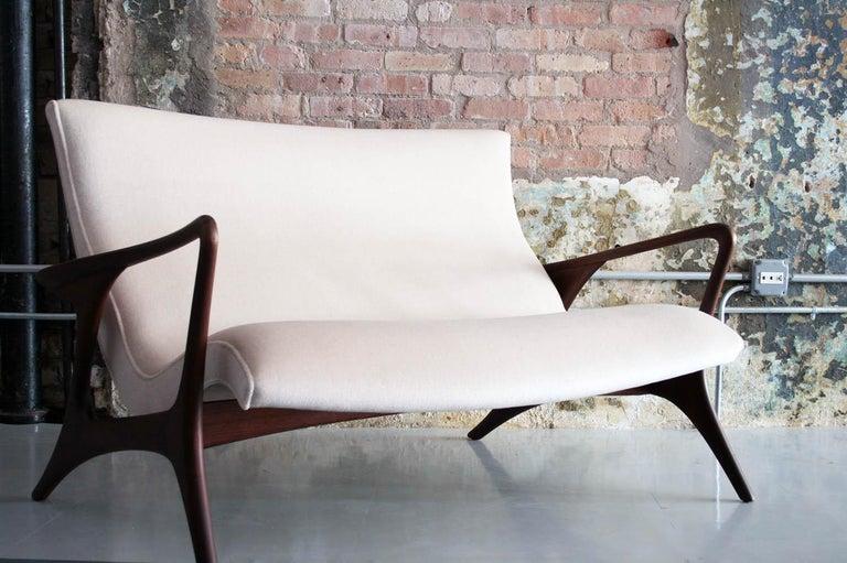 Original Vladimir Kagan 'Contour Sofa' in Sculpted Walnut and Mohair, 1970s For Sale 2