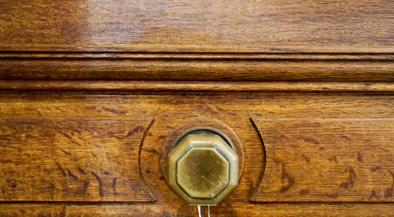 Ornate Antique Oak Door In Good Condition For Sale In Dallas, TX