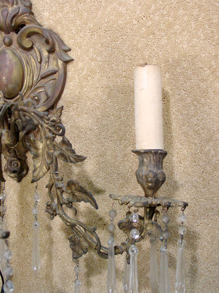 Ornate Bronze Rococo Wall Sconce In Good Condition For Sale In Van Nuys, CA