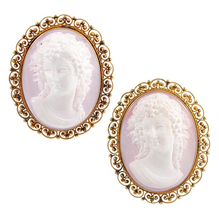 """Ornate Pink Shell Cameo Suite with Golden Filigree, Signed """"Quaglia & Forte"""" In Excellent Condition For Sale In Carmel-by-the-Sea, CA"""