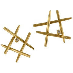 Orpheus 18 Karat Gold Stud Earrings with Diamond