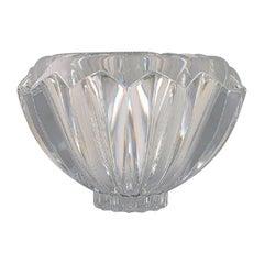 Orrefors, Sweden, Large Modernist Bowl in Clear Art Glass, Stylish Design, 1980s