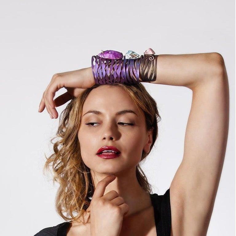 Orsa Maggiore 18 Karat Gold Titanium Hemimorphite Cuff Bracelet In New Condition For Sale In Cremona, IT
