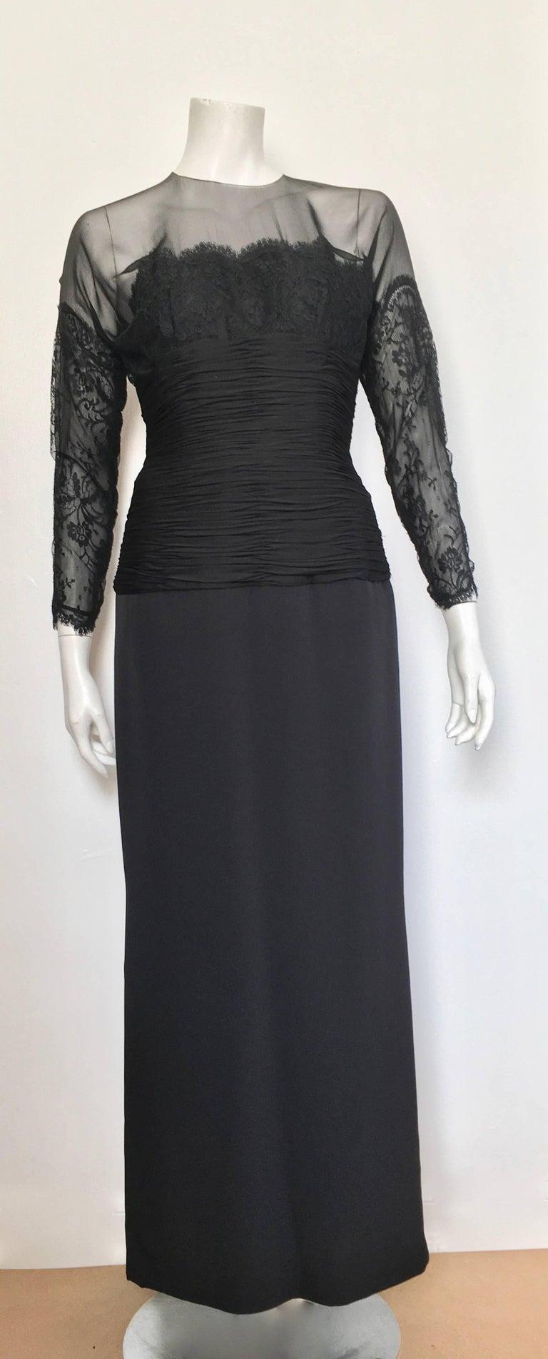 Oscar de la Renta Black Lace Evening Gown Size 6. For Sale at 1stdibs