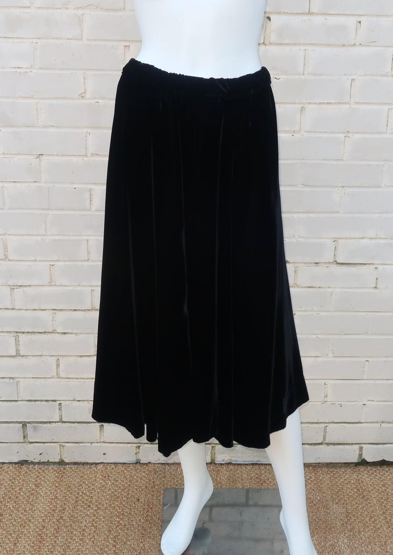 Oscar de La Renta Black Net & Velvet Peplum Peasant Dress, 1980's For Sale 5