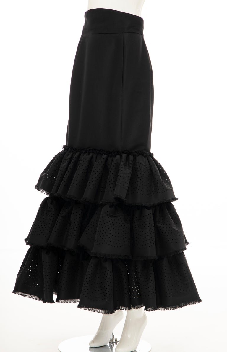 Women's Oscar de la Renta Black Punched Silk Faille Evening Skirt, Fall 2001 For Sale