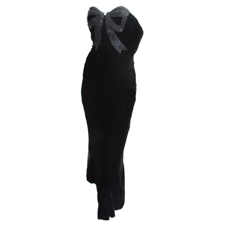 Oscar de la Renta Black Velvet Strapless Gown w/Beaded Bow Detail