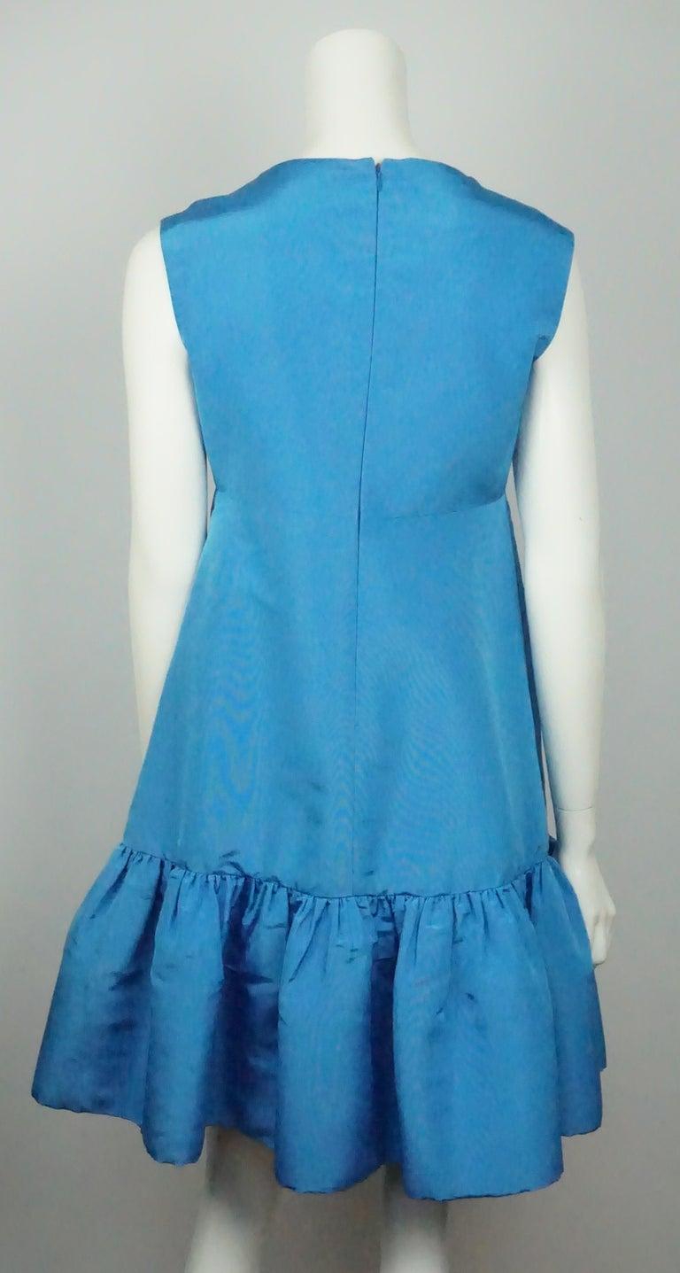 Oscar De La Renta Blue W/ Ruffle Bottom Dress - 8 In Excellent Condition For Sale In Palm Beach, FL