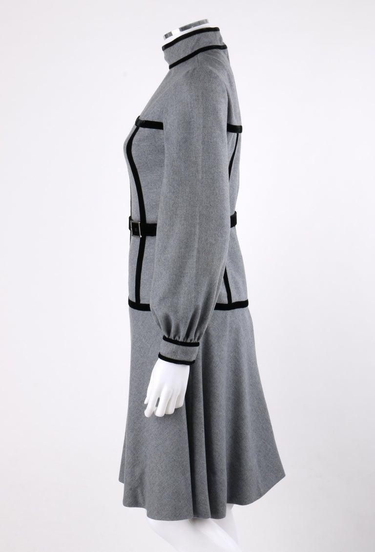 OSCAR de la RENTA c.1970s Gray Velvet Corset Trim Black Belted Dress  For Sale 1