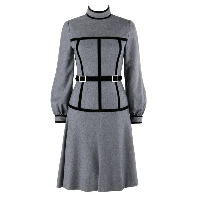 OSCAR de la RENTA c.1970s Gray Velvet Corset Trim Black Belted Dress  For Sale