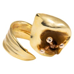 Oscar de la Renta Polished Gold Calla Lily Cocktail Statement Ring