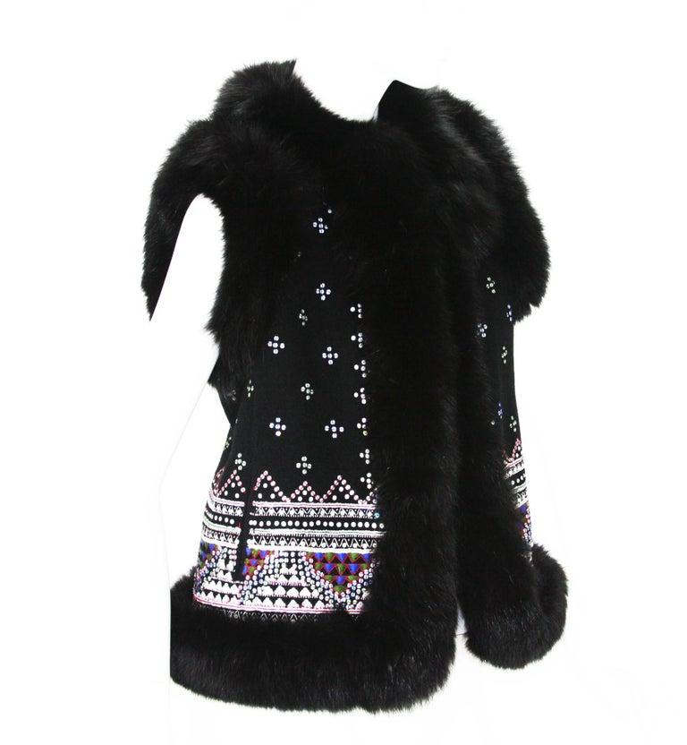 Oscar De La Renta Cashmere Embellished Fox Fur Trim Vest Jacket Designer size 6 Black Warm Cashmere, Multicolor Sequin Exquisite Embroidery,  Fox Trim Around for Cozy Feelings, Two Side Pockets. Measurements: Length - 23 inches, Bust - 36