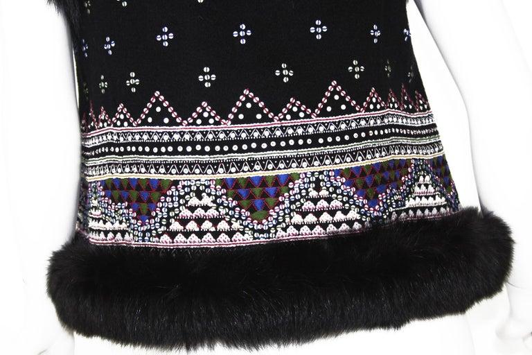 Women's Oscar De La Renta Cashmere Sequin Embroidered Fox Fur Trim Vest Jacket US 6 For Sale