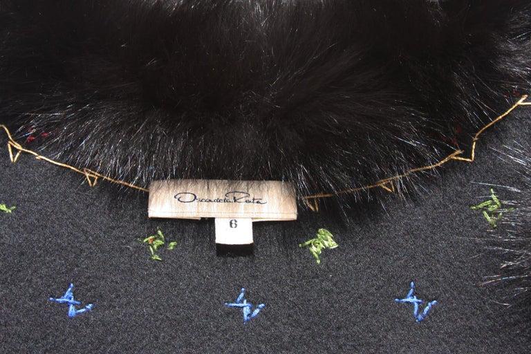 Oscar De La Renta Cashmere Sequin Embroidered Fox Fur Trim Vest Jacket US 6 For Sale 2