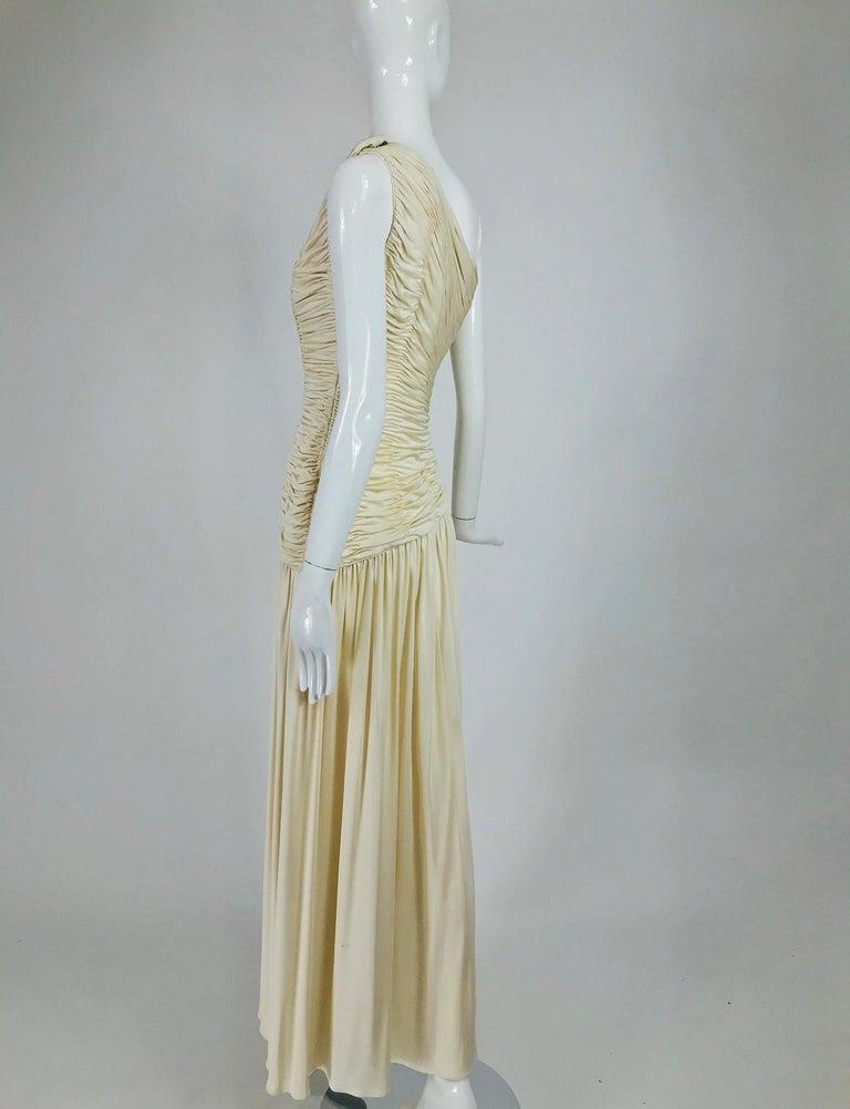 Oscar de la Renta Cream Shirred Bodice One Shoulder Gown 1990s In Good Condition For Sale In West Palm Beach, FL