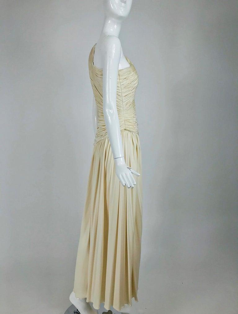 Oscar de la Renta Cream Shirred Bodice One Shoulder Gown 1990s For Sale 3